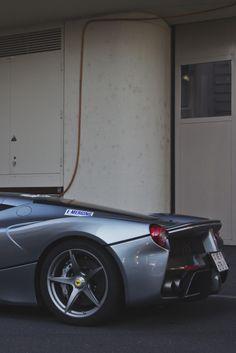 onlysupercars:  Credit