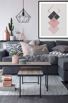 Pink and grey with bronze accents. Pink can be modern and fresh. Use this print to introduce pink in your home without it looking too feminine or old fashioned Living Room Decor Tips, Living Room Grey, Living Room Designs, Bedroom Decor, Bedroom Ideas, Wall Decor, Primark Home, Home And Deco, French Country Decorating