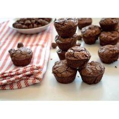 BOUCHÉES DE BROWNIES AU CHOCOLAT | Santé en vrac Dessert Simple, Brownies, Muffins, Quinoa, Breakfast, Food, Raspberry, Chocolates, Recipe