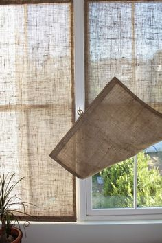Creative Window Treatments Burlap Shades love this idea for the French doors. Summer gets real HOT where they're located.Burlap Shades love this idea for the French doors. Summer gets real HOT where they're located. Unique Window Treatments, Burlap Window Treatments, Basement Window Treatments, Farmhouse Window Treatments, Diy Casa, Burlap Crafts, Burlap Projects, Diy Crafts, Decoration Crafts