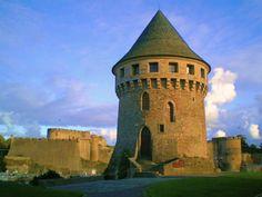 Château de Brest - Finistère, Bretagne Palaces, Week End Bretagne, Photo Bretagne, Small Castles, French Castles, Château Fort, Medieval World, Tower House, Castle Ruins