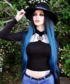 Model Dayana Crunk Gothic and Amazing Hot Goth Girls, Gothic Girls, Alternative Mode, Alternative Fashion, Goth Beauty, Dark Beauty, Dark Fashion, Gothic Fashion, Style Fashion