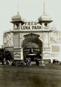 Luna Park,St Kilda,Victoria in the 1920s.A♥W
