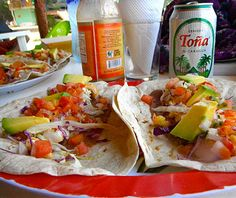 This is an example of food that could be found in Nicaragua. Most of the dishes that are seen here are similar to the dishes we have known as Mexican food. This food includes tortilla shells along with peppers, beans, and chicken.