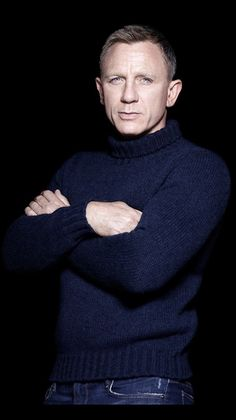 I ❤️ Daniel Craig! Want premium accessories at affordable prices? Looking for a shop where you get more for your money? Our mission at The Gentleman Shop is to give you quality, and along with it affordability. For the Modern Day Gentle Rachel Weisz, Estilo James Bond, James Bond Style, James Bond Theme, Daniel Craig James Bond, Robert Mapplethorpe, Richard Avedon, Annie Leibovitz, Daniel Graig