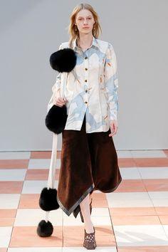 Sfilata Céline Parigi - Collezioni Autunno Inverno 2015-16 - Vogue