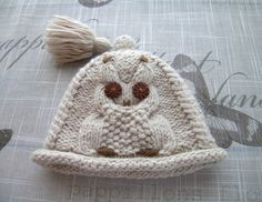 Handmade Baby girls or boys HAT, for Newborn Girl, boy, NEWBORN - 6 Months, hand-knitted fancy pattern cream hat with a beautiful owl motif by ramutez on Etsy