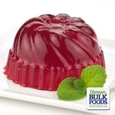 ~Raspberry Jello~ Raspberry gelatin has the sweet taste of juicy sun ripened raspberries.Try topping this prepared gelatin with a dollop of whipped cream for an extra sweet treat. Strawberry Topping, Strawberry Jello, Raspberry, Dessert Dips, Dessert For Dinner, Edible Water Bottle, Jello Flavors, Dried Strawberries, Sugar Cookie Dough