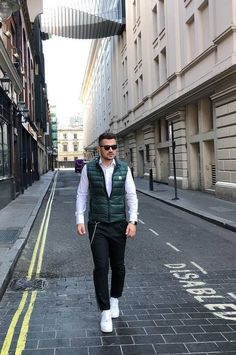 Men's Green Quilted Down Gilet Urban Fashion, Mens Fashion, Men's Waistcoat, Green Quilt, Body Warmer, Puffer Vest, Padded Jacket, Smart Casual, Vests