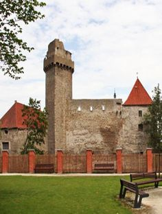 Castle of Strakonice (South Bohemia), Czech Republic Old Buildings, Abandoned Buildings, Historical Monuments, Prague Czech, Royal Palace, Cathedrals, Czech Republic, Towers, Beautiful World