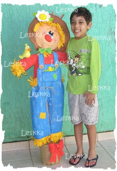 Leskka - Arte em e.v.a Diy And Crafts, Crafts For Kids, Arts And Crafts, The Scarecrows Wedding, Fall Sewing, Step Kids, Halloween Diy, Photo Props, Fancy Dress