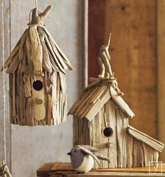driftwood birdhouses....looks like a trip to the beach in the near future