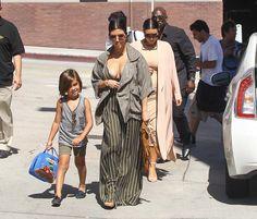 Kourtney Kardashian Photos - The Kardashians Gather for Lunch - Zimbio