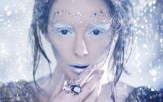 snow queen makeup - lip and eye shadow