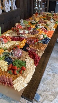 Charcuterie Board at the wedding I was at this month : FoodPorn Appetizers Table, Wedding Appetizers, Holiday Appetizers, Appetizer Recipes, Wedding Appetizer Table, Wedding Buffet Food, Charcuterie Recipes, Charcuterie And Cheese Board, Charcuterie Platter