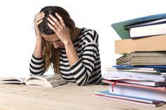 Die Studienarbeiten stapeln sich, der Stress wächst, die Motivation schwindet. Frust kann in jedem Studium aufkommen. Wir zeigen 7 Wege aus dem Lerntief.