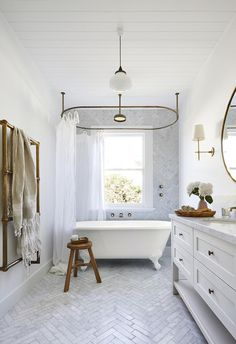 Home Renovation Planning Timeless Bathroom Renovation Plan - I want to convey a classic, country style all while incorporating elegant touches. Here's our timeless bathroom renovation plans! Beach House Bathroom, Beach Bathrooms, Beach House Decor, Master Bathroom, Bathroom Marble, Seaside Bathroom, Warm Bathroom, White Bathroom, Small Bathroom
