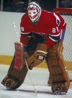 While the sport of hockey has produced figures who have gone on to become legends of the game, every player, iconic or completely forgettable, started his career in the same role: rookie. Hockey Goalie, Hockey Games, Hockey Players, Montreal Canadiens, Nhl, Patrick Roy, Ken Dryden, Sport, Goalie Mask