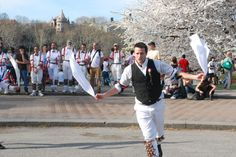 In England, professional dance troupes perform the Morris Dance on Easter Sunday. Clad in beautiful white shorts, red sashes, black trousers and straw hats with lots of flowers and streamers, dancers perform old spring dances to frighten away the evil spirits of winter. Red and green ribbons and little bells are tied to the dancers to complete the look.