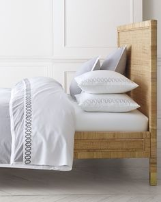 Discover luxury duvet covers and shams from Serena & Lily and find the perfect bedding for your master and guest bedrooms. Luxury Duvet Covers, Luxury Bedding Sets, Magazine Design, Home Luxury, Hotel Paris, Shabby, Patterned Sheets, House Beds, Guest Bedrooms