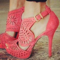 Steve Maddens is a name of excellence in offering to the masses the most contemporary of styles of footwear. It offers to you the most terrific of prices with the help of the Steve Madden Coupons and discount offers.