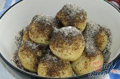 Švestkové knedlíky z bramborového těsta | NejRecept.cz Pretzel Bites, French Toast, Muffin, Bread, Breakfast, Recipes, Challah, Morning Coffee, Brot