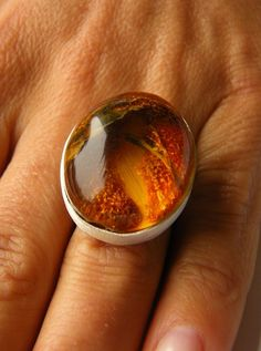 Amber Ring, Ovale shape,ORANGE, honey, sterling Silver rail, genuine amber, modern design, for she, giftbox, シルバー リング,New, UNIQUE - Handmade von JewellerWithSoul auf Etsy (scheduled via http://www.tailwindapp.com?utm_source=pinterest&utm_medium=twpin&utm_content=post190292345&utm_campaign=scheduler_attribution)