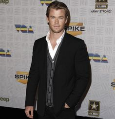 Chris Hemsworth...my new celebrity crush...I haven't forgotten Tatum Channing though