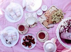 How To Have a Regency Tea Party Picnic