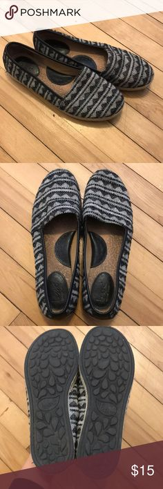 Aztec pattern flats Great condition! Please make an offer! 11/27 b.o.c. Shoes Flats & Loafers