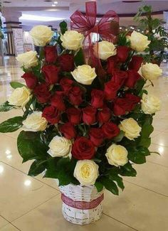 Pin by Accessories Shop 4 you on Flowers arragment Valentine Flower Arrangements, Funeral Floral Arrangements, Large Flower Arrangements, Share Pictures, Rose Flower Wallpaper, Animated Gifs, Beautiful Rose Flowers, Deco Floral, Funeral Flowers