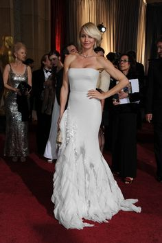 Cameron Diaz in a white version of her Oscar dress. Kim Kardashian, Strapless Dress Formal, Formal Dresses, Wedding Dresses, Vestidos Oscar, Oscars 2012, Oscar Dresses, Cameron Diaz, Editorial Fashion