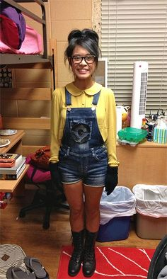 minion costume. Just need googles or ask aunty jackie to crochet me a minion hat and tweak the outfit a lil....aaaahh minion!!!