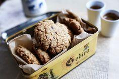 Csokis kókuszos zabkeksz Baking Recipes, Snack Recipes, Dessert Recipes, Snacks, No Bake Desserts, Healthy Desserts, Cooking Cake, Delicious Deserts, Cake Cookies