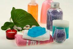 ***¿Cómo Preparar un Gel Hidratante para la Piel?*** Mantener una piel hidratada es fundamental para poder lucir plenamente nuestro cuerpo. Evita gastar dinero con las costosas cremas y prepara en casa un gel hidratante para la piel......SIGUE LEYENDO EN..... http://comohacerpara.com/preparar-un-gel-hidratante-para-la-piel_1631b.html