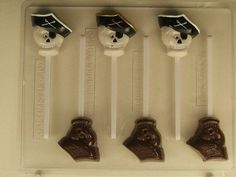 This lollipop candy mold for Halloween features a skull wearing a pirate hat with the cross bones displayed on the hat. This candy mold will make 8 lollipops in the shape of a skull. Pirate Hats, Pirate Skull, Pirate Theme, Halloween Chocolate, Halloween Candy, Lollipop Candy, Chocolate Candy Molds, Candy Making, Candy Store