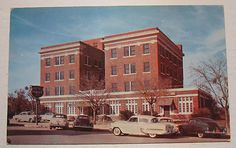 Weatherford Texas TX Hotel Parker Unused Vintage Postcard with Old Cars Old Pictures, Old Photos, Weatherford Texas, 1950s Car, Texas Things, Where The Heart Is, Lodges, Chains, Natural Beauty