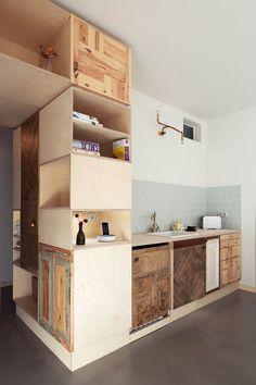 Plus One Berlin hotel room by Spamroom (4)