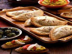 Spanish food consists of a variety of mouth-watering food items, which lay emphasis on From tapas to paella, our extensive library of Spanish recipes offers the best of this European cuisine. Description from recipetov.net. I searched for this on bing.com/images