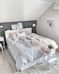 Best Bedroom Colors Schemes – My Life Spot Bedroom Goals, Uni Bedroom, Attic Bedrooms, Shabby Chic Bedrooms, Neutral Bedroom Decor, Best Bedroom Colors, Bedroom Color Schemes, Home Decor Bedroom, Bedroom Ideas