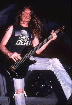 CLIFF BURTON - METALLICA