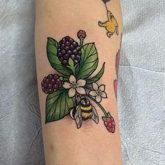Bees and berries by - - Pretty Tattoos, Love Tattoos, Beautiful Tattoos, Body Art Tattoos, Tattoos For Women, Knee Tattoo, Arm Tattoo, Vintage Flower Tattoo, Molecule Tattoo