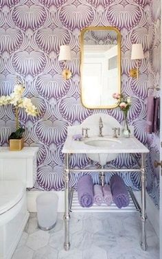 Beautiful lilac and gold bathroom - bathroom wallpaper trends Bathroom Accent Wall, Bathroom Accents, Gold Bathroom, Bathroom Wall Decor, Bathroom Styling, Shower Bathroom, Bathroom Flooring, Accent Walls, Bathroom Ideas