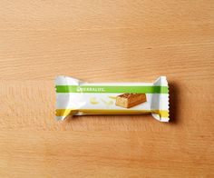 Craving something sweet 🍫? Satisfy your sweet tooth with a delicious, nutritious Herbalife Protein Bar 😋. Herbalife Protein Bars, Herbalife Nutrition, Herbalife Recipes, Sports Nutrition, Fitness Nutrition, Health And Nutrition, Protein Rich Snacks, Carbs Protein, Daily Fiber Intake
