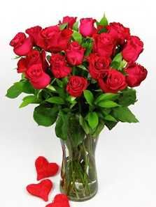 A classic red rose arrangement in a glass vase to heat up the romance.  Classic Red Rose Vase R255.00.  (R310.00 includes delivery fee).