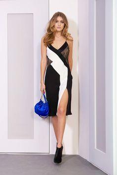 Diane von Furstenberg Fall 2016 Ready-to-Wear Fashion Show  http://www.theclosetfeminist.ca/  http://www.vogue.com/fashion-shows/fall-2016-ready-to-wear/diane-von-furstenberg/slideshow/collection#30