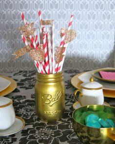 DIY Valentine's Day straws. #DIY #valentinesday #partyplanning #crafy.