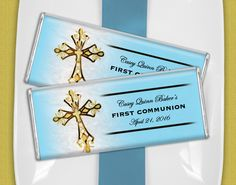 Blue and Gold First Holy Communion Favors for Boys - Wrapped candy bars look great at a candy buffet Boys First Communion, First Communion Favors, Candy Bars, Candy Buffet, Blue Gold, Holi, Frame, Recipes, Ideas