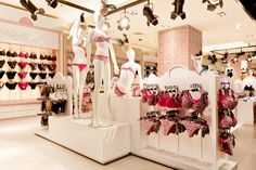 Area Lingerie Ripley Costanera Center (Chile) <3<3<3<3<3
