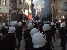 Kask numaraları neden yok? AKP'li milletvekili Mehmet Erdem Taksim'de bugün Su savaşı için toplanan gruplara müdahale eden polislerin kasklarında numara olmamasına ilişkin twitter hesabından açıklama yaptı. http://www.cumhuriyet.com.tr/?hn=427132=7=4=7
